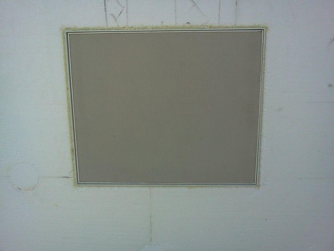 Dvířka na skrytý hromosvod světlost 20 x 20 cm